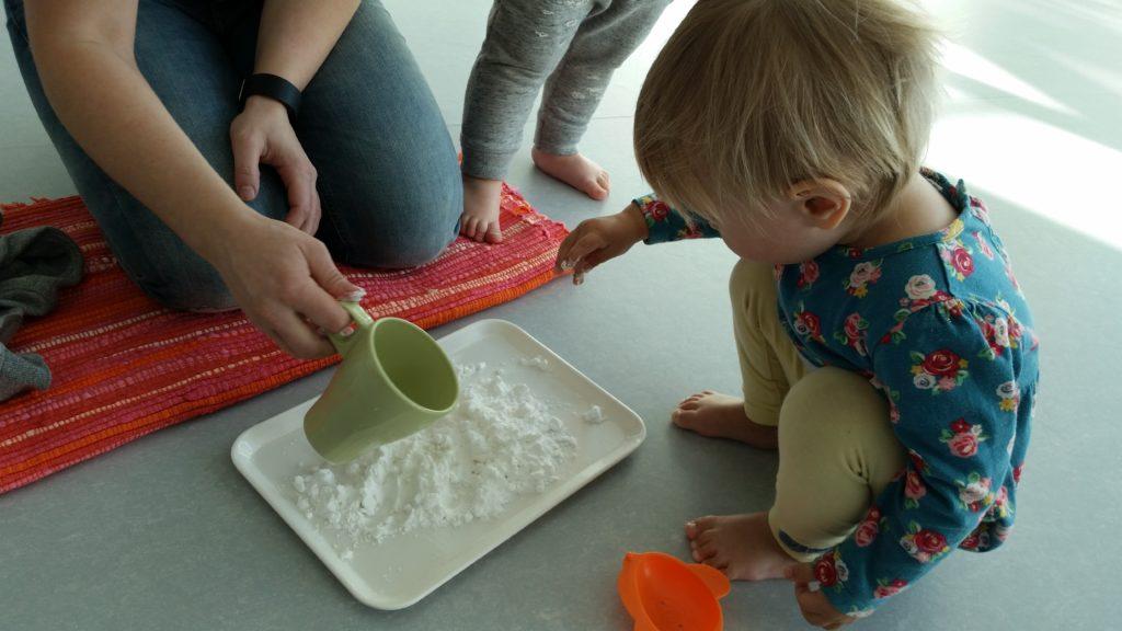 Montessori – tärklis ja vesi